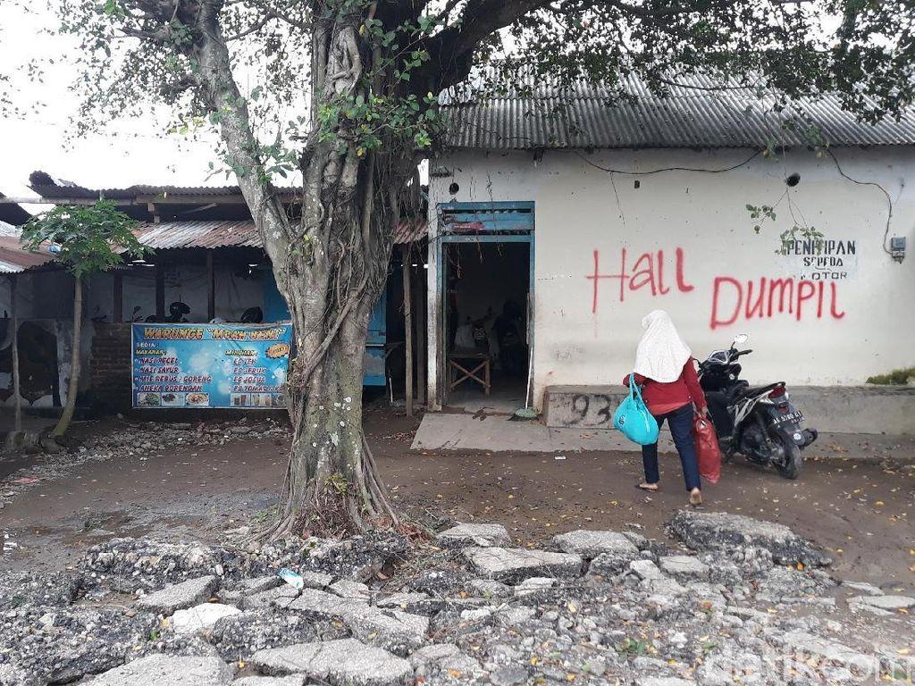 Ruko ini memanfaatkan aset desa. Kades Bagi Agus Pramono mengatakan sudah ada kesepakatan harga, tinggal pembayaran yang belum (Foto: Sugeng Harianto/detikcom)