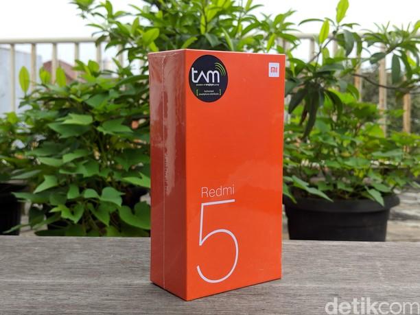 Unboxing Redmi 5, Ponsel Layar Penuh Rp 1,7 Juta