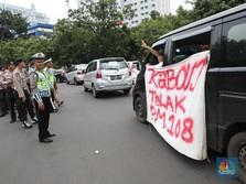 Sanksi Tilang Bagi Driver Taksi Online Mulai Berlaku April