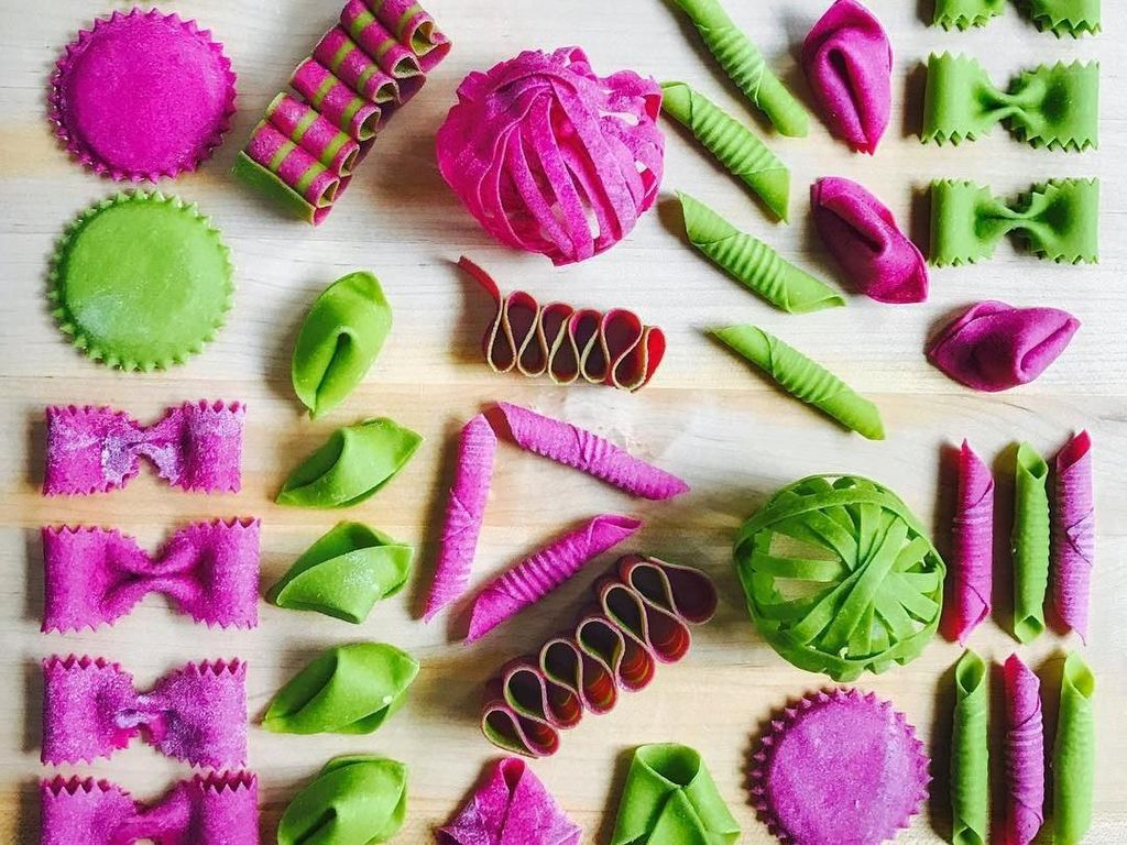 Ini adalah sebagian kecil kreasi pasta Linda. Ia terinspirasi menciptakan pasta cantik karena anaknya dulu picky eater sehingga Linda berusaha menyenangkan anaknya. Foto: Instagram saltyseattle