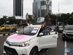 Menhub: Meski Didemo, Aturan Taksi Online Tetap Jalan