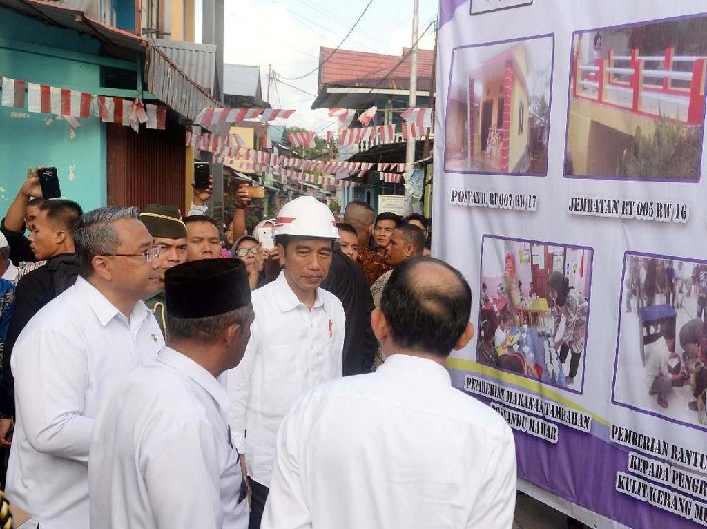 Menteri Eko mengapresiasi Kota Ambon yang menjadi salah satu daerah yang pertama melakukan pencairan dana desa tahap pertama. Dengan begitu, program padat karya tunai dapat dengan diterapkan sehingga warga segera mendapatkan pekerjaan. Foto: dok. Kemendes PDT