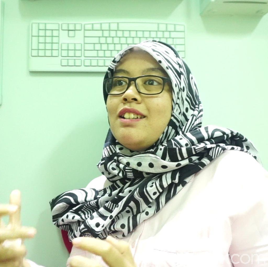Kanker Payudara Stadium 3 Tak Membuat Dian Berhenti Berkarya