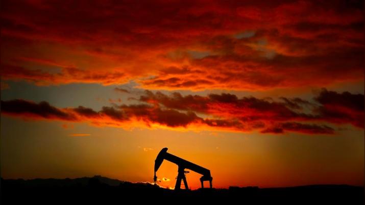 Rata-rata harga minyak Indonesia (ICP) per September 2018 naik jadi US$ 74,88 per barel