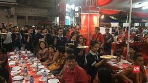 VIDEO: Tok Panjang, Makan Malam Sambut Imlek