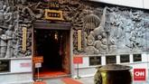 Walau menjadi tempat ibadah umat Tridharma, namun banyak umat Islam Kejawen yang masih sering datang untuk melakukan ziarah ke makam Ong Keng Hong serta turis yang datang untuk wisata sejarah.