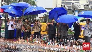 Bea Cukai Jabar Amankan Ribuan Botol Miras Oplosan