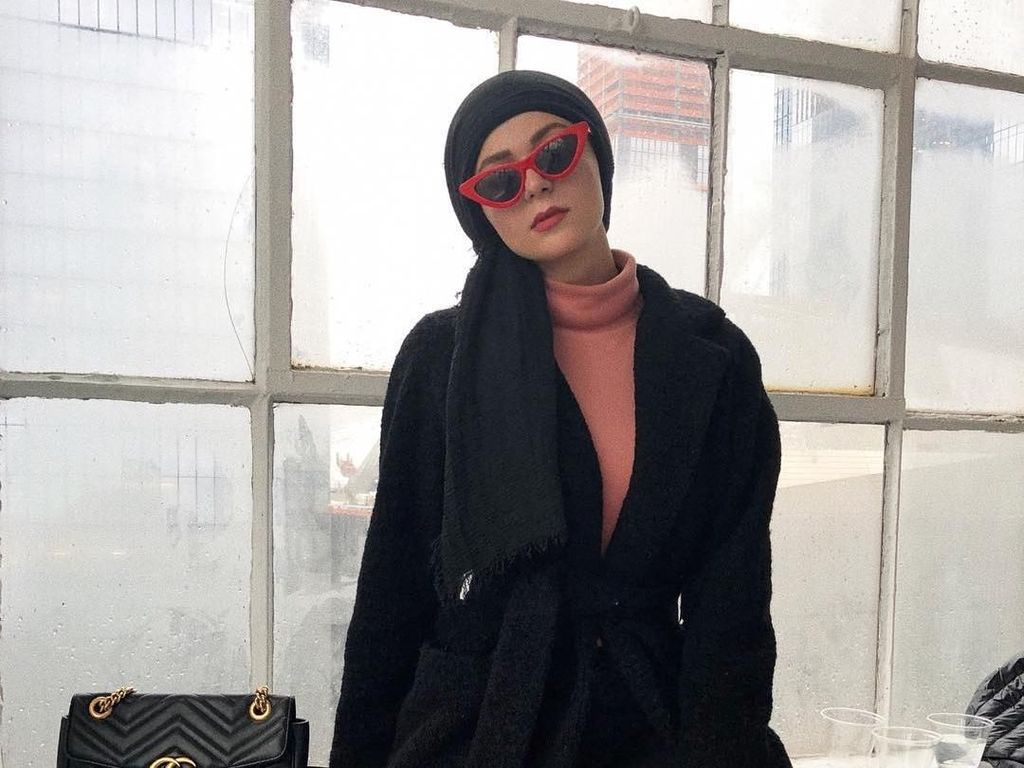 10 Gaya Selebgram Hijab yang Hadir di New York Fashion Week 2018