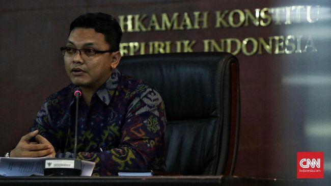 MK: Batas Usia di UU Perkawinan Masih Berlaku Selama 3 Tahun