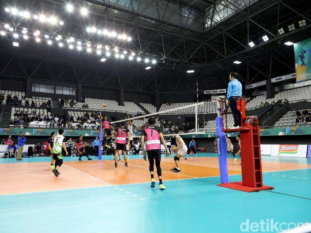 Pertandingan final tersebut digelar di Stadion Tennis Indoor Gelora Bung Karno, Senayan, Jakarta Pusat.