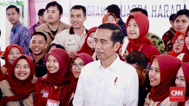 Jokowi Ikuti Saran Bawaslu soal Bagi Sembako saat Kampanye