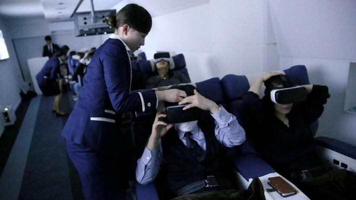 Sensasi keliling dunia secara virtual di restoran First Airlines.