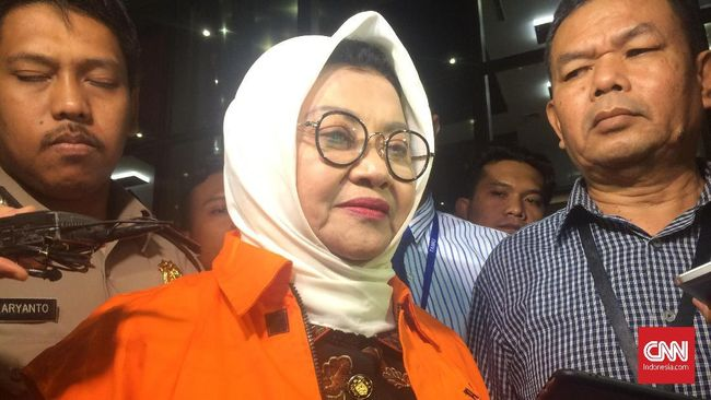 Ditahan KPK, Bupati Subang Klaim Tak Terima Uang Suap