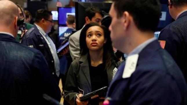 Aksi Jual 'Misterius' Pukul Wall Street, Waspada Koreksi IHSG
