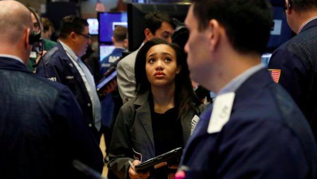 Wall Street Dibuka Merah Sambut Kenaikan Klaim Pengangguran