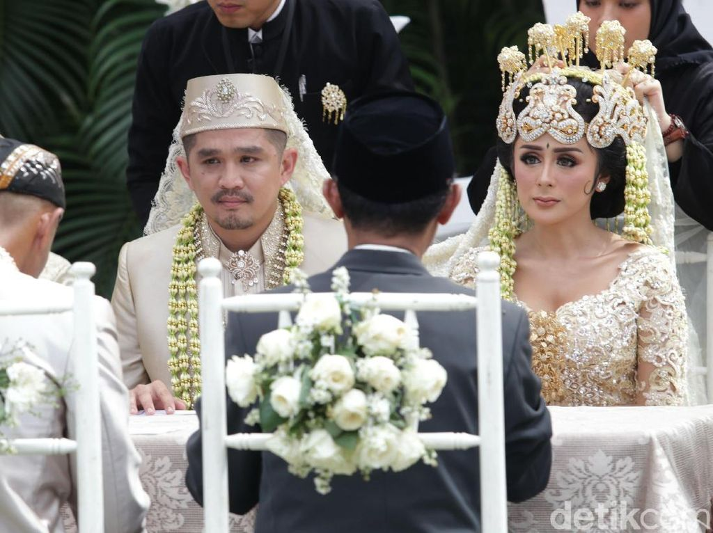 Rangga Ilham dan Selvi Kitty melangsungkan akad nikah pada Minggu (18/2) di kawasan Ampera Raya, Jakarta Selatan.Pool/Palevi S/detikFoto.