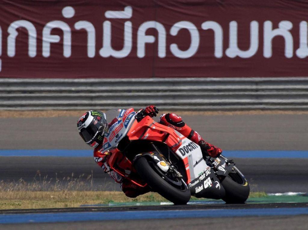Musim pertama Jorge Lorenzo di Ducati tahun lalu tak berjalan mulus, walaupun membaik di paruh kedua. Tahun ini juara dunia tiga kali MotoGP itu akan berupaya membuktikan kualitas sebenarnya di musim kedua bersama tim tersebut. (Foto: Mirco Lazzari gp/Getty Images)