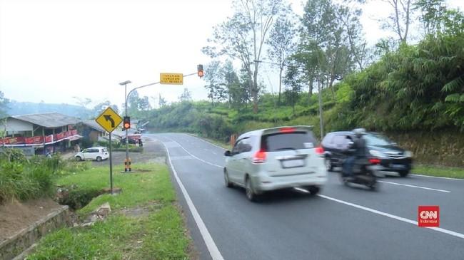 VIDEO: Tanjakan Emen Masih Jadi Alternatif Hindari Kemacetan