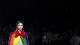 Warna 'Pelangi' Dominasi Panggung Mode Dunia