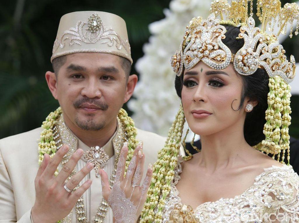 Selvi Kitty juga resmi menikah dengan Rangga. Foto: Palevi S/detikHOT
