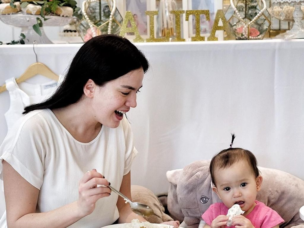Apa Kabar Alice Norin? Intip Keseruannya Urus Anak Sambil Kulineran