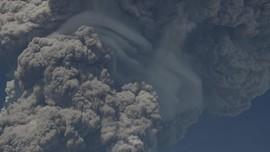 Asap Letusan Gunung Sakurajima di Jepang Tutup Sinar Matahari