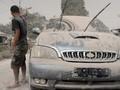 Efek Buruk Bersihkan Debu Mobil Pakai Kemoceng