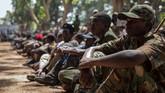 Program integrasi di Yambio, sebelah selatan negeri itu bertujuan membantu 700 tentara anak kembali ke kehidupan normal. Pasukan perdamaian PBB bekerja sama dengan UNICEF sedang menegosiasikan pembebasan tentara anak di bagian lain negeri itu, khususnya di sebelah timur dan utara. (AFP PHOTO/Stefanie Glinski)