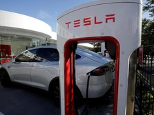 Recall Model S dan Masalah Autopilot Buat Saham Tesla Anjlok