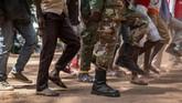 Misi PBB di Sudan Selatan (UNMISS) menyatakan untuk pertama kalinya banyak perempuan muda ikut dalam pembebasan. Banyak di antaranya mengalami penyiksaan seksual.