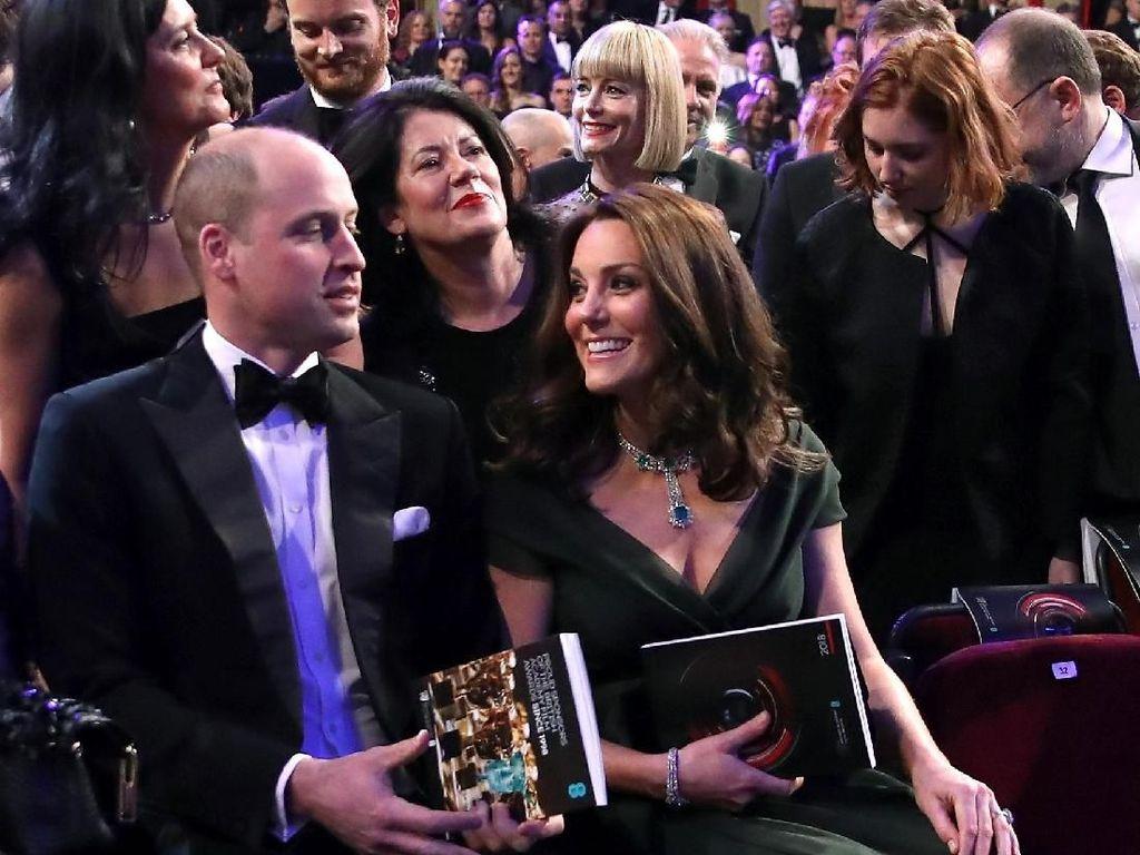 Penampilan Cantik Kate Middleton dengan Gaun Hijau yang Picu Kontroversi