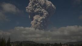 Sinabung Erupsi Besar, Kabupaten Karo Gelap Gulita