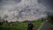 Sinabung Kembali Erupsi, Kolom Abu 2.500 Meter di Atas Puncak