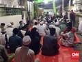 Ratusan Orang Siap Sambut Rizieq di Masjid Cengkareng