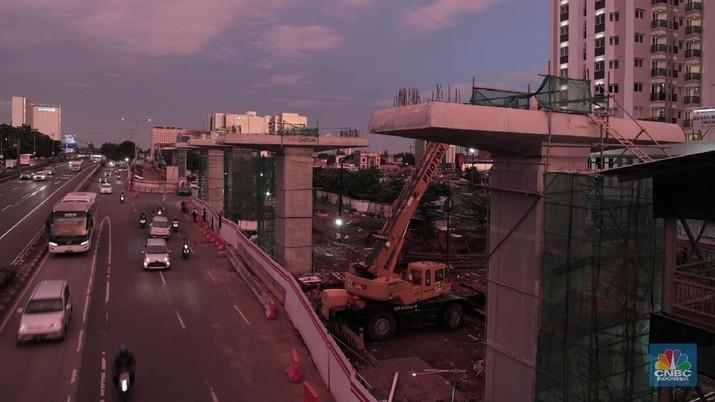 Menteri Perhubungan Budi Karya Sumadi optimistis proyek infrastruktur transportasi tidak terpengaruh adanya moratorium