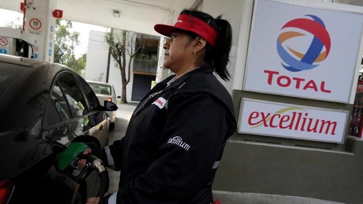 Total Pasang Harga BBM Baru, Shell Masih Tertahan