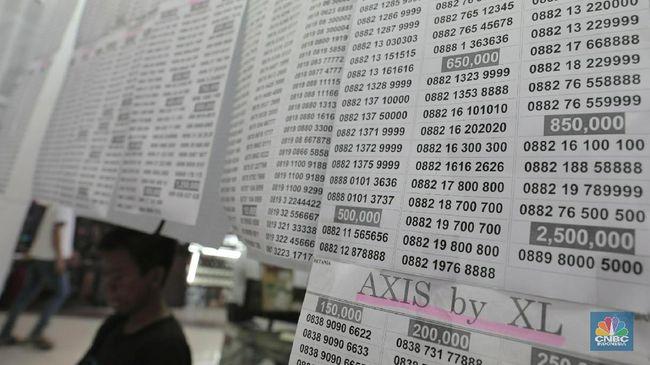 TLKM EXCL ISAT Kebijakan Registrasi Kartu Prabayar Tekan Saham Telko
