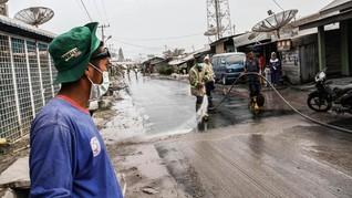 Mobil Pembersih Diterjunkan Bersihkan Debu Erupsi Sinabung