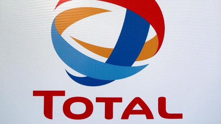 The logo of French oil giant Total is pictured at its first gas station in Mexico City, Mexico January 25, 2018. REUTERS/Daniel Becerril