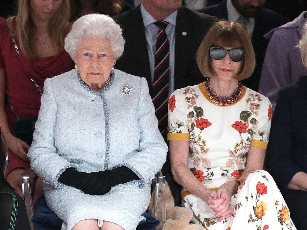 Berkacamata Hitam di Sebelah Ratu Elizabeth, Anna Wintour Dihujat Netizen