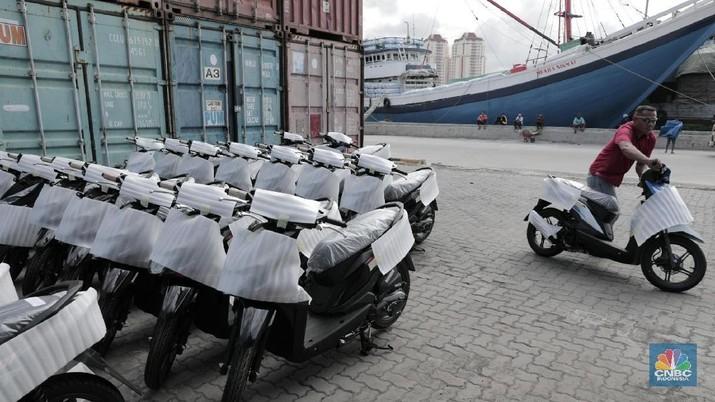 OJK membolehkan multifinance menawarkan uang muka 0% untuk mobil dan motor.