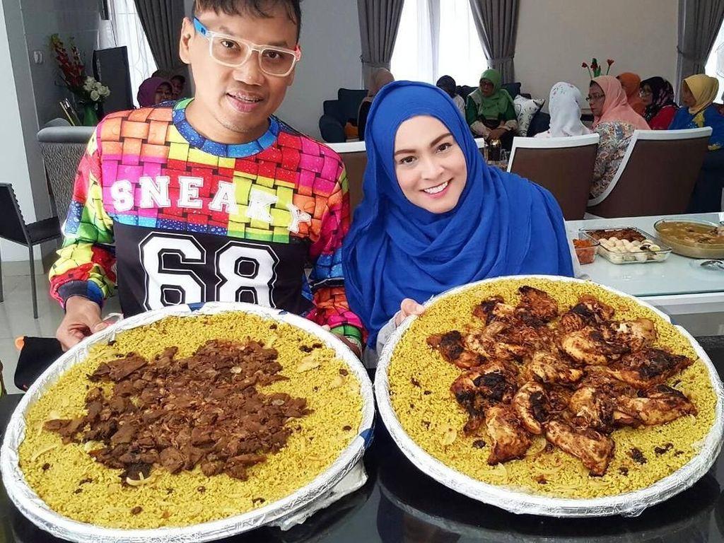 Begini Keseruan Uya Kuya dan Keluarga Saat Makan Enak