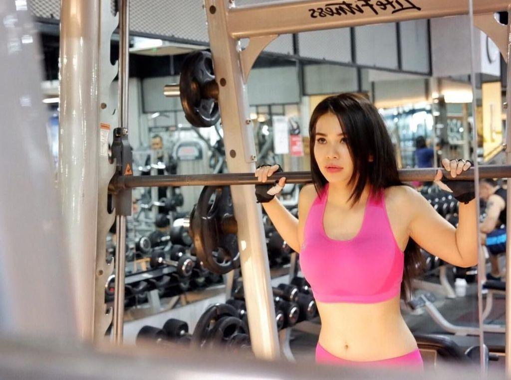 10 Potret Maria Vania, Presenter Olahraga Cantik yang Bikin Pria Gagal Fokus