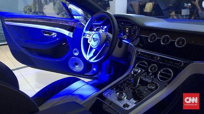 Bentley dan Lamborghini Berebut Titel SUV Tercepat di Dunia