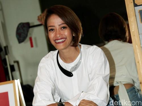 Kisah Sukses Nonita Respati Mendirikan Purana, Label Batik Kekinian