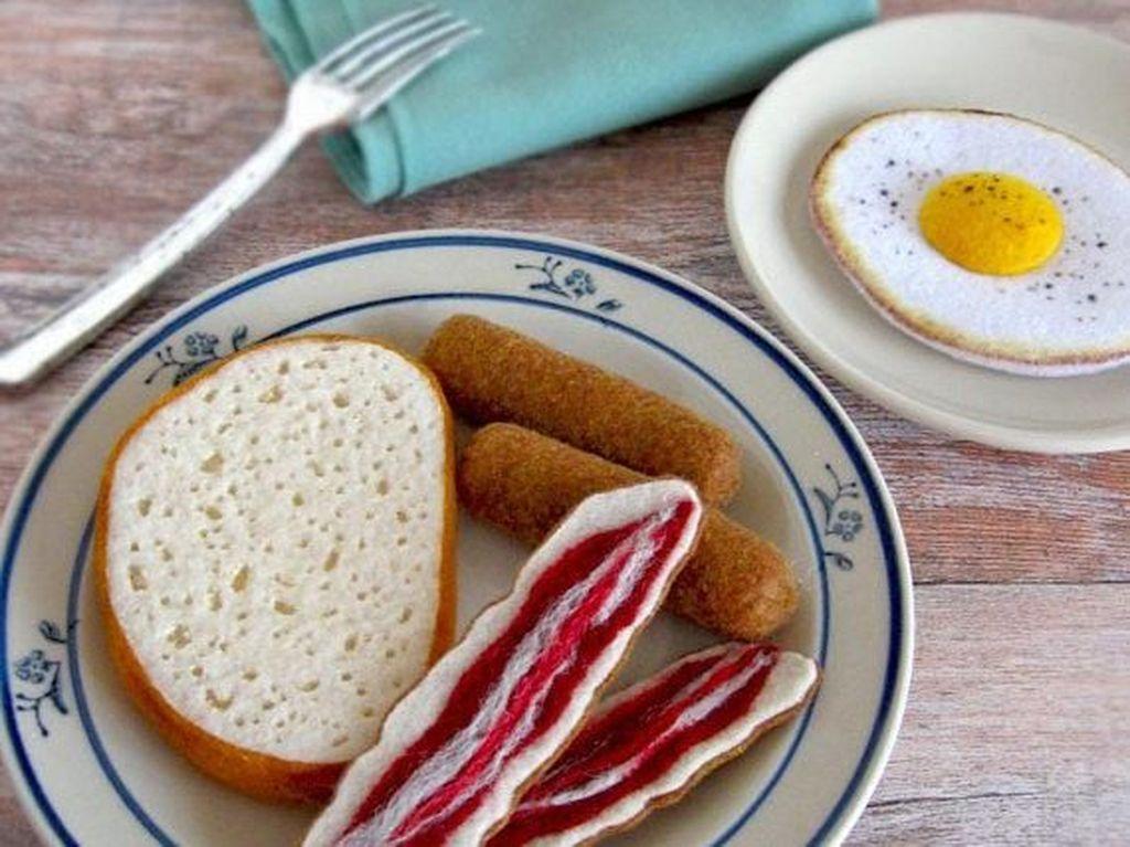 Terbuat dari Sulaman Benang, 10 Makanan Ini Terlihat Persis Aslinya
