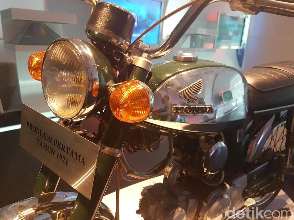 Motor yang dipajang ini adalah S 90 Z produksi kloter pertama. Foto: Rangga Rahardiansyah