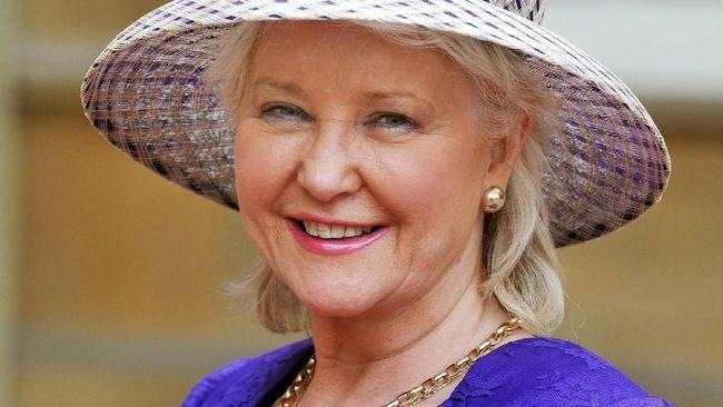 Mengenal Angela Kelly, Penata Busana Pribadi Ratu Elizabeth