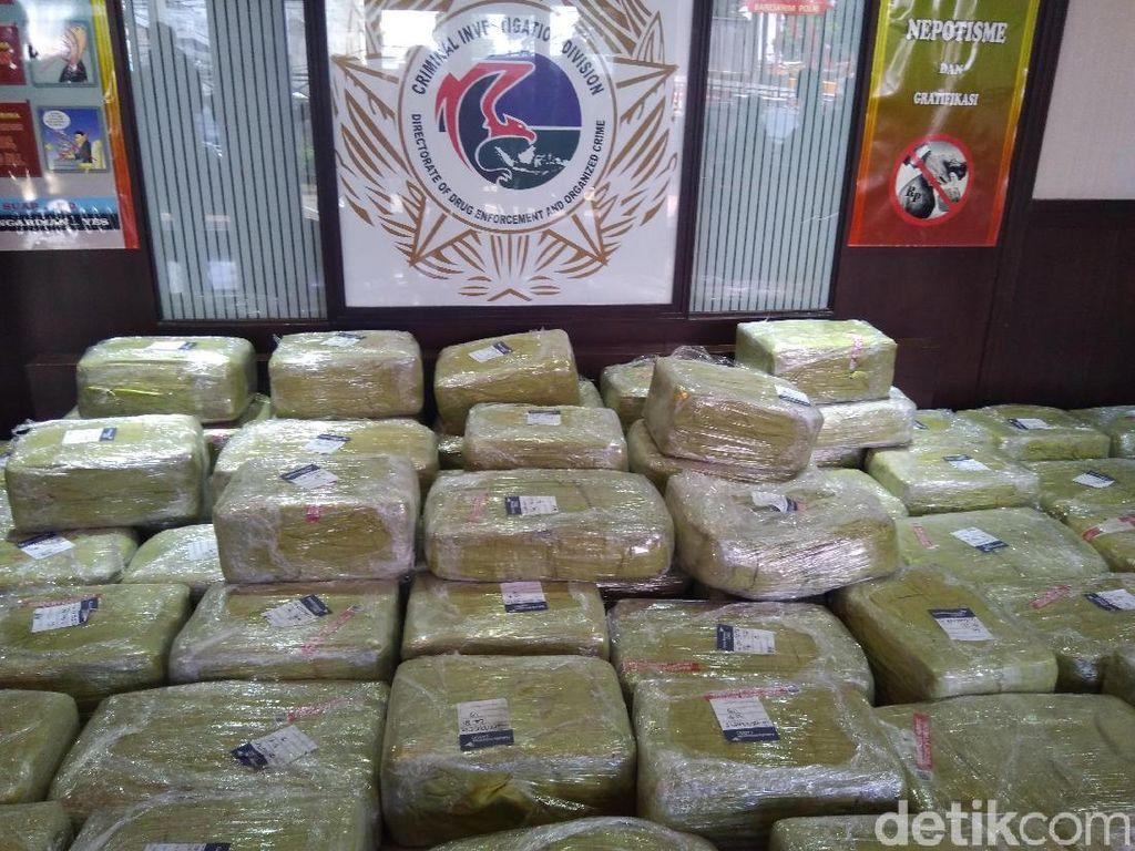 Foto: Penampakan Sabu 1,6 Ton yang Dibawa 4 WN Taiwan