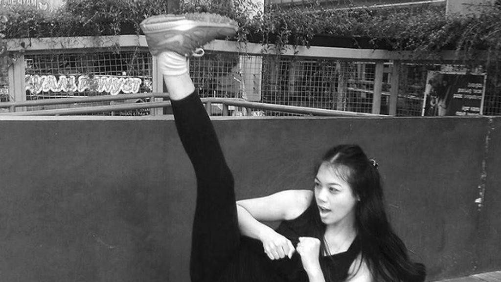Tubuh Fleksibel Miss Indonesia 2018 Alya Nurshabrina yang Doyan Olahraga